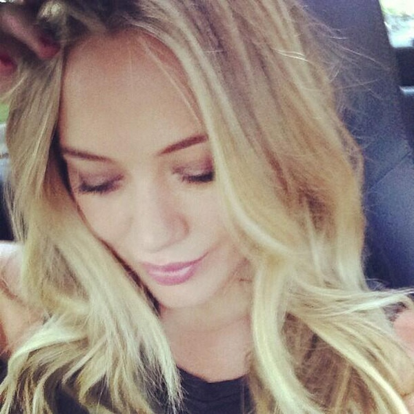Hilary Duff Debuts Her New Blond Hair on Twitter—See the ... Hilary Duff Instagram