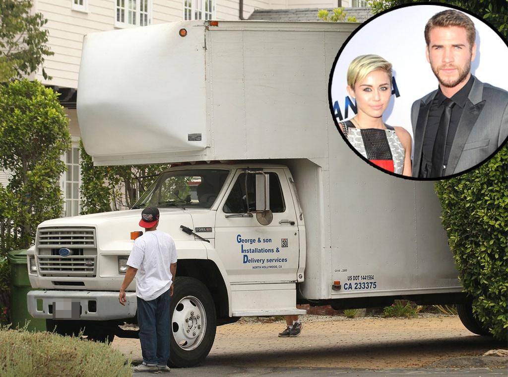 Liam Hemsworth, Miley Cyrus, Moving Trucks