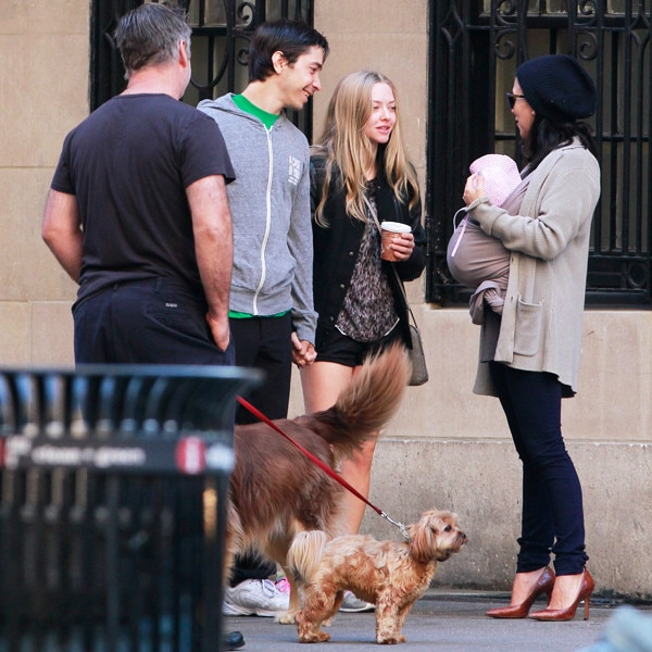 Amanda Seyfried, Justin Long, Alec Baldwin, Hilaria Thomas