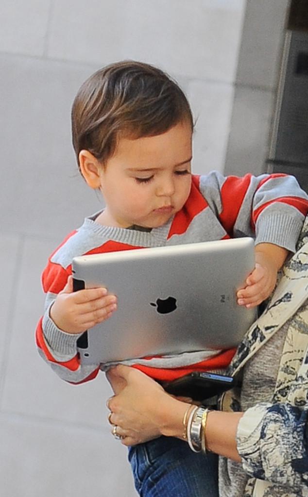 Miranda Kerr, Flynn Bloom, iPad