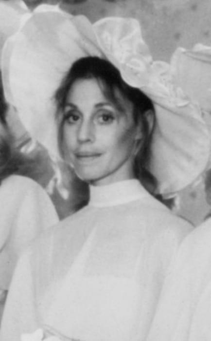 Marta Heflin