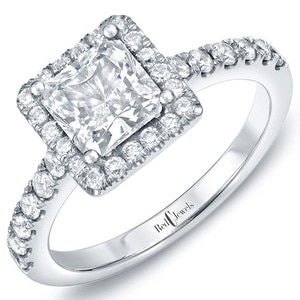 Kaley Cuocou0027s Engagement Ringu2014Get All The Details On The 2.5 Carat Diamond!    E! News