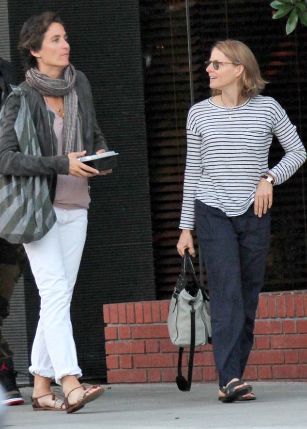 Jodie Foster Marries Girlfriend Alexandra Hedison | E ...