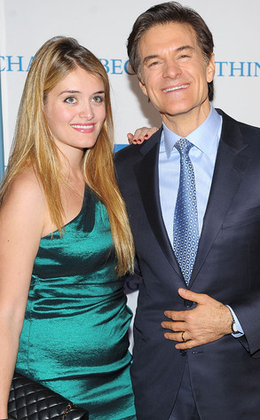 daphne oz daughter of dr oz is pregnant with first. Black Bedroom Furniture Sets. Home Design Ideas