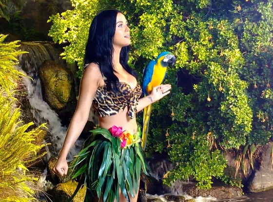 Katy Perry, BTS Roar Video