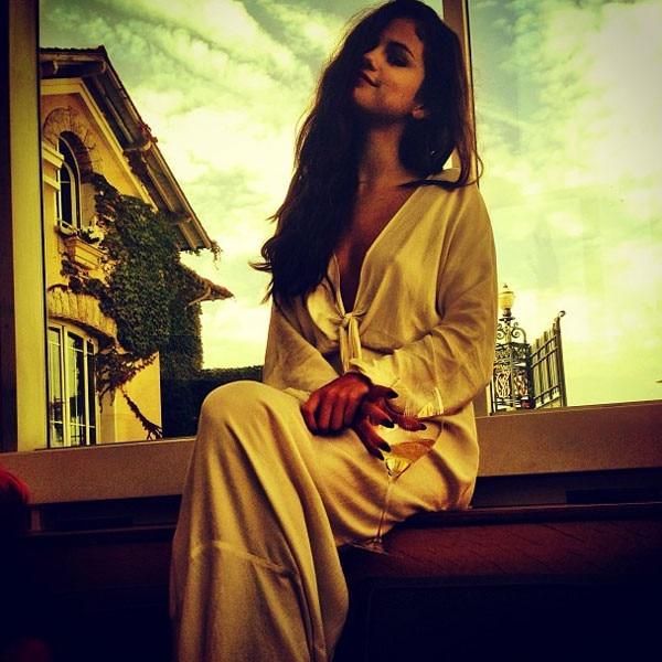 Selena Gomez, Paris, Instagram