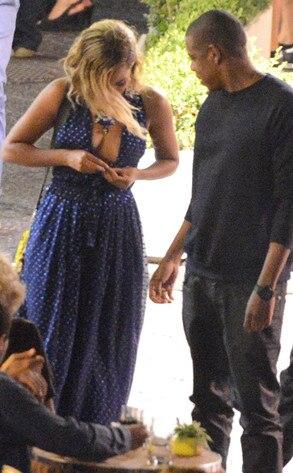 Beyonce, Jay-Z, Waldrobe Malfunction