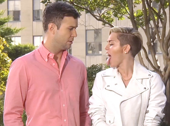 Miley Cyrus, Taran Killam, SNL