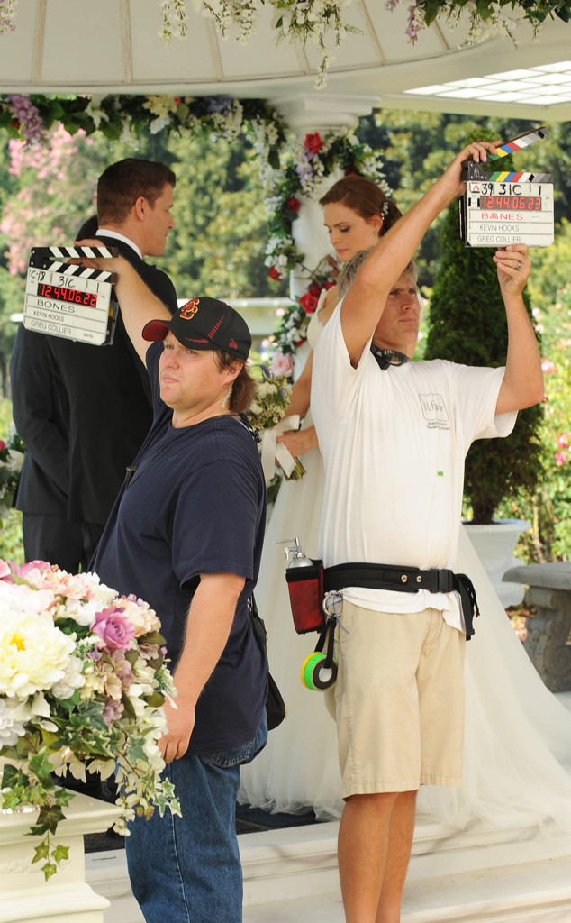 Bones, Wedding, BTS, EMBARGOED UNTIL 10.17.13