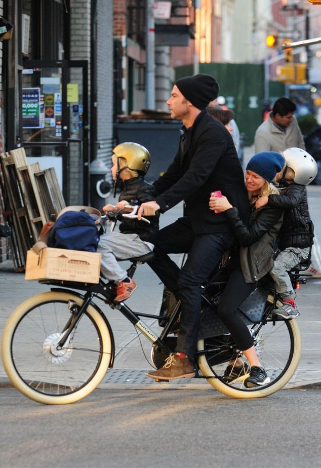 Liev Schreiber, Naomi Watts, Alexander, Samuel