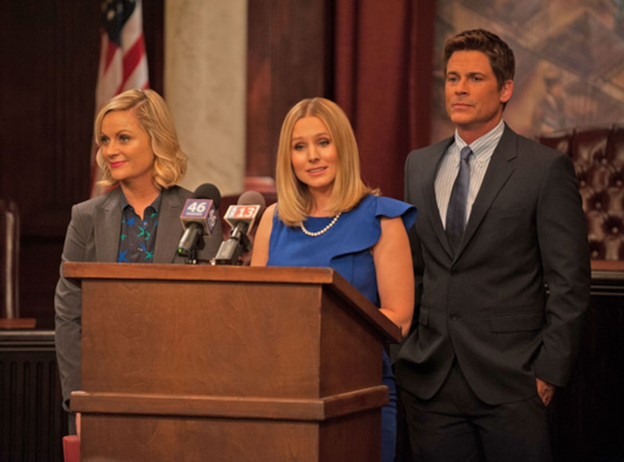 PARKS AND RECREATION, Amy Poehler, Kristen Bell, Rob Lowe