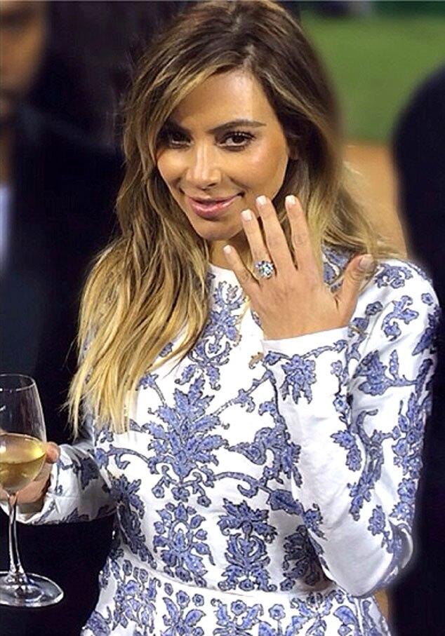 Gentil Kim Kardashian, Instagram, Ring