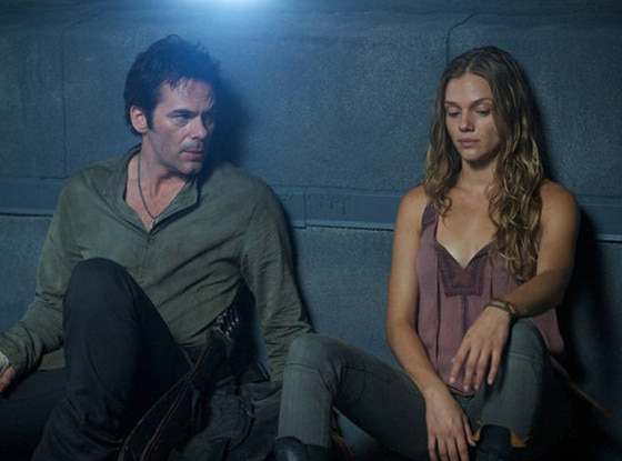 Billy Burke, Tracy Spiridakos, Revolution