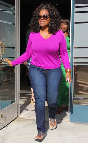 Aha Moment Oprah Winfrey Is Throwing The Biggest Yard Sale Ever E News