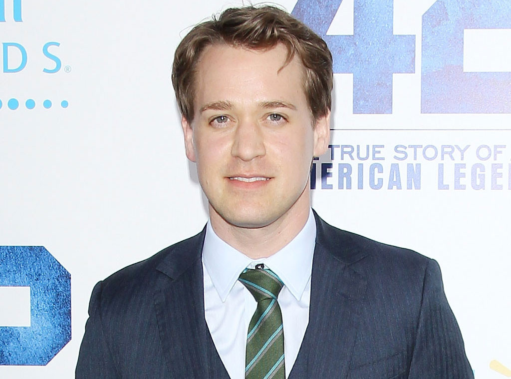 T R Knight Heads Back To Shondaland But Not On Grey S