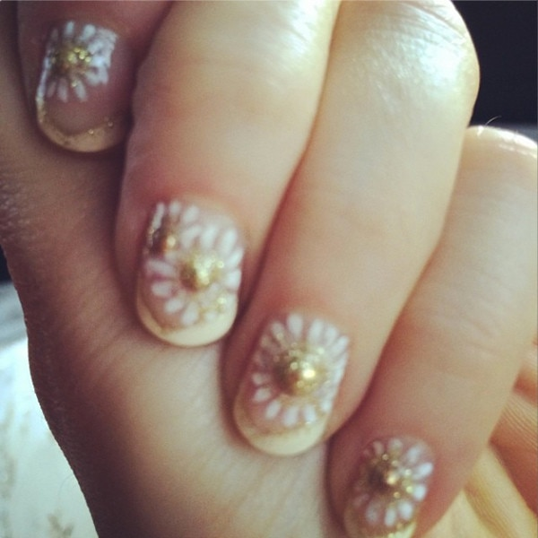 Zooey Deschanel, Golden Globes, Manicure