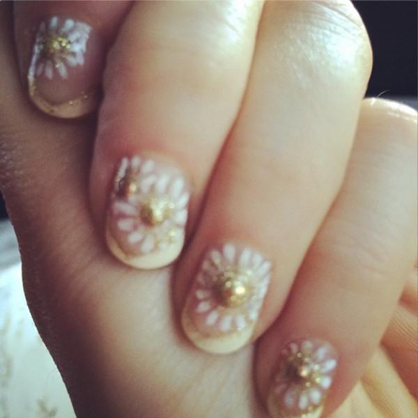 Zooey Deschanel, Golden Globes, Manicure