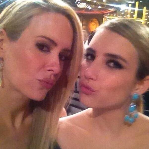 Sarah Paulson, Emma Roberts, Twitter