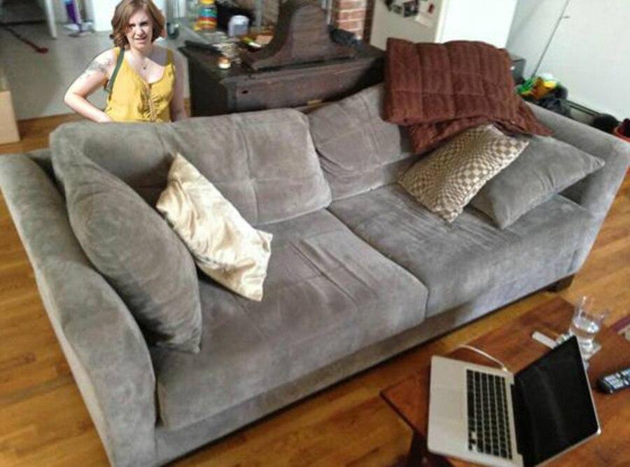 Lena Dunham, Craigslist Couch