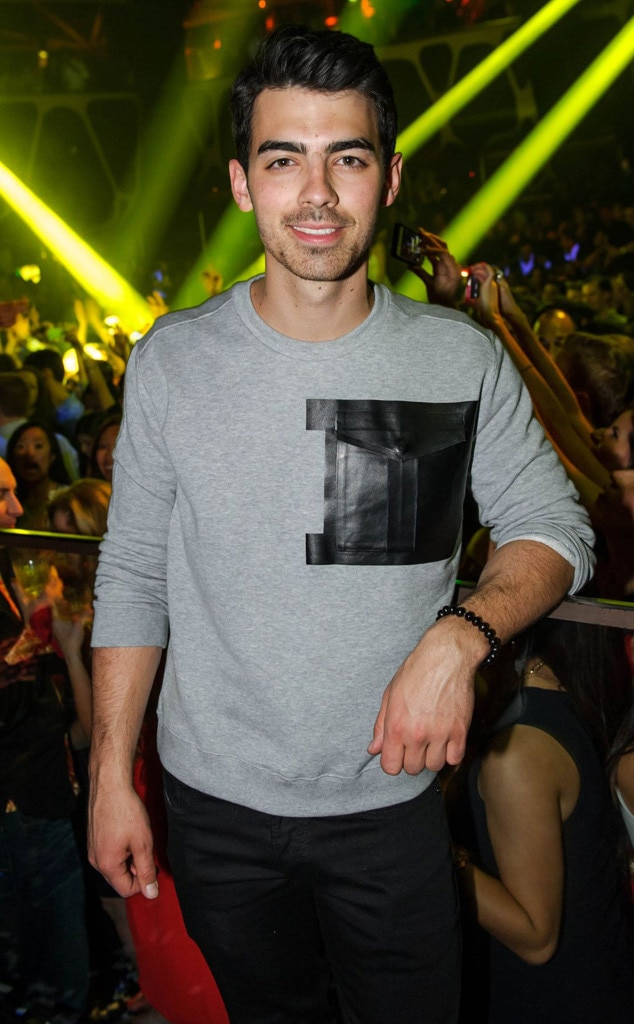 Joe Jonas, Instagram, Uber
