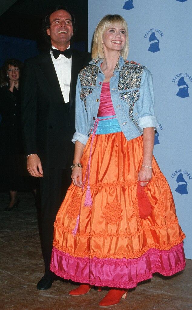 Julio Iglesias, Olivia Newton John, Grammys