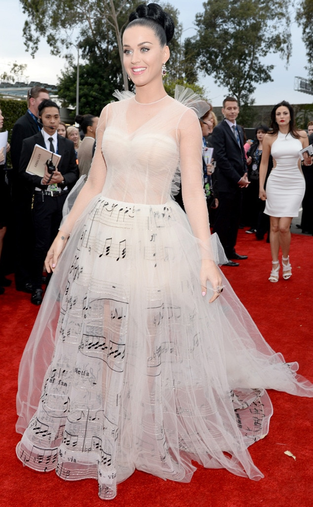 2014 grammys katy perry rocks musical dress and promises