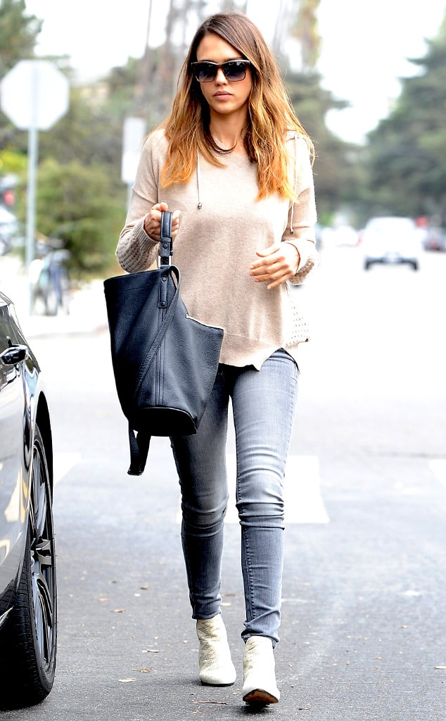 Cloudy Days From Jessica Alba 39 S Street Style E News