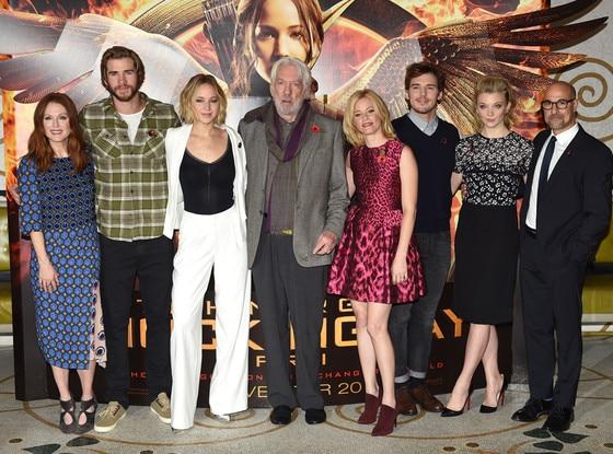 Julianne Moore, Liam Hemsworth, Jennifer Lawrence, Donald Sutherland, Elizabeth Banks, Sam Claflin, Natalie Dormer, Stanley Tucci