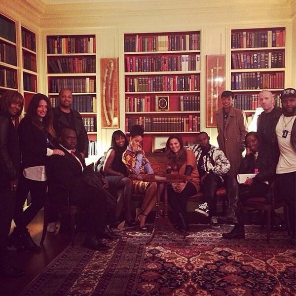 Rihanna, Instagram, White House