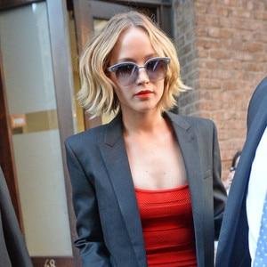 News: Jennifer Lawrence Goes Platinum A Celeb Makeup Artist's Go-To LipstickShades