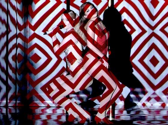 Iggy Azalea, Jennifer Lopez, American Music Awards 2014