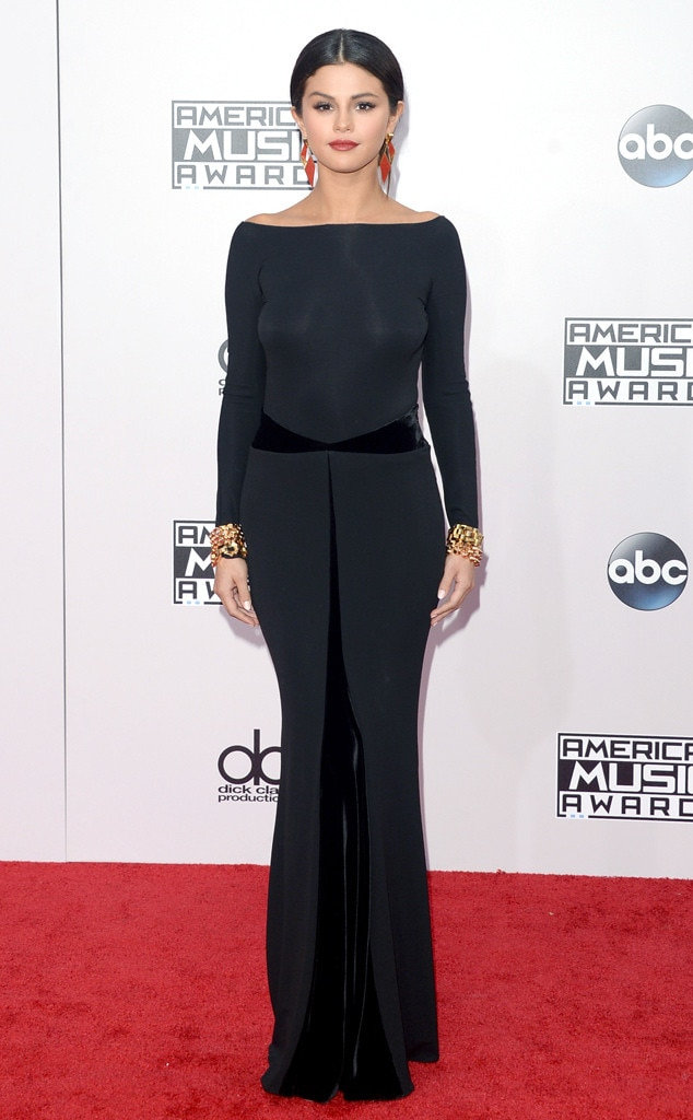 Selena Gomez\'s Best American Music Awards Looks: From Ball Gowns ...
