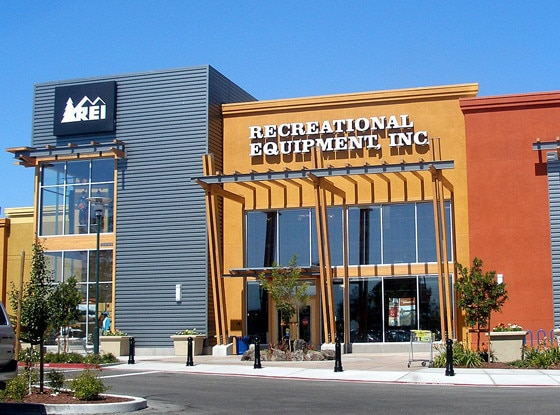 REI, Stores that are closed during Thanksgiving