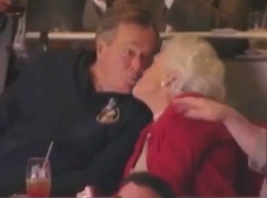 George Bush, Barbara Bush, Kiss Cam