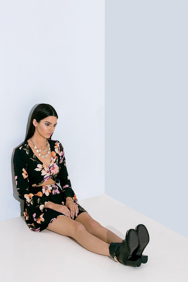 Kylie Jenner, Kendall Jenner, PacSun Holiday