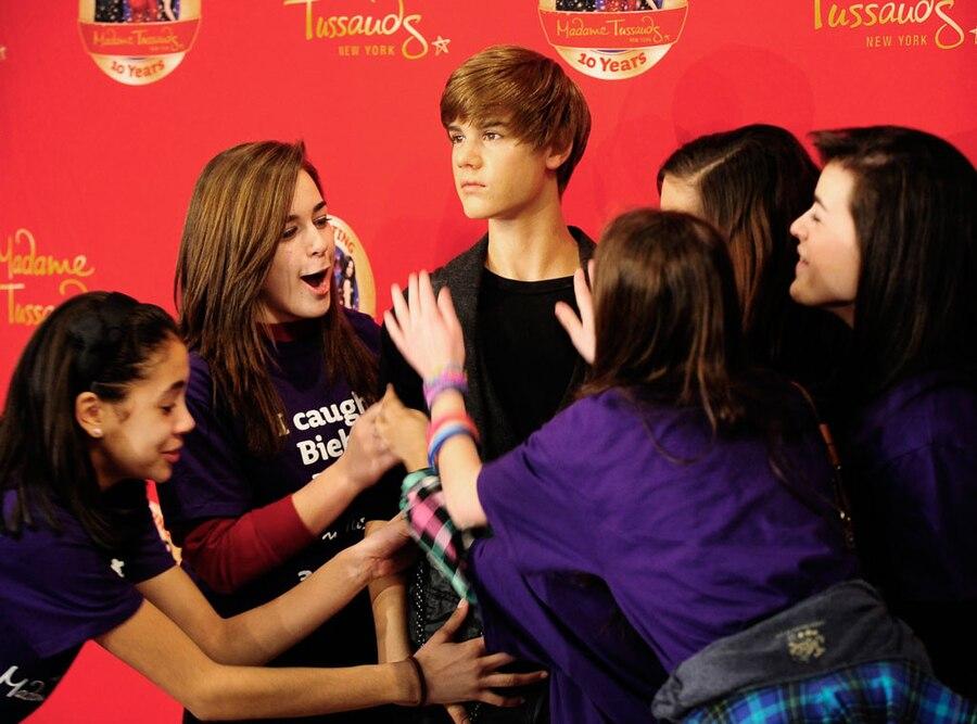 Justin Bieber Madame Tussauds Fans