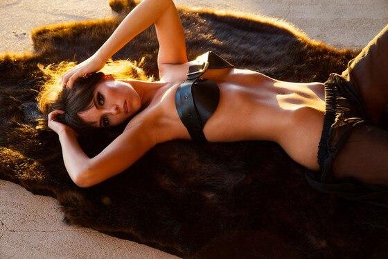 Amanda seyfried breast