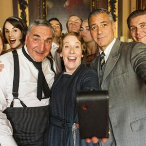 George Clooney, Downton Abbey, Santa