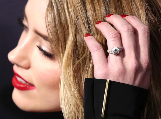 Amber Heard, Engagement Ring