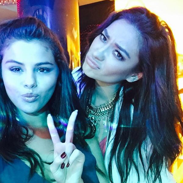 Selena Gomez, Shay Mitchell, Instagram