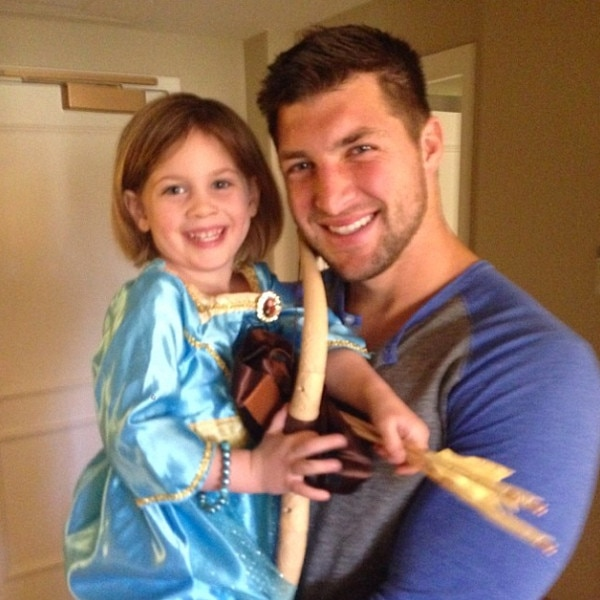 Tim Tebow, Instagram