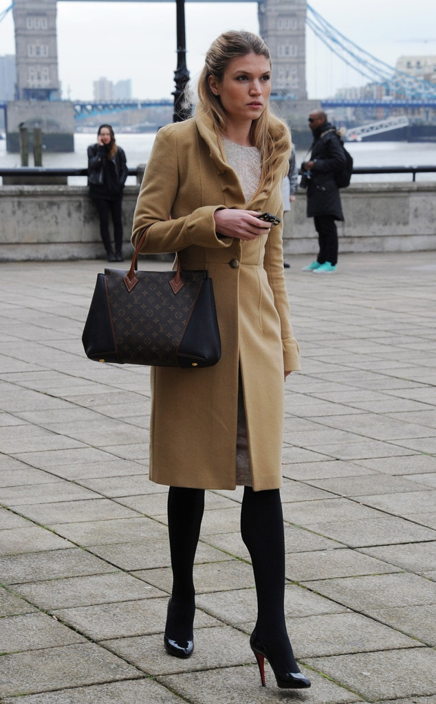 Tr S Chic From London Fashion Week Fall 2014 Street Style E News