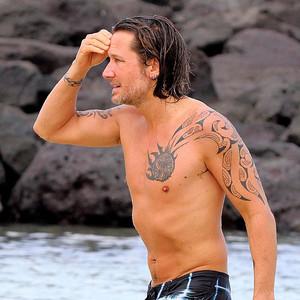 Keith Urban, Shirtless, Hawaii