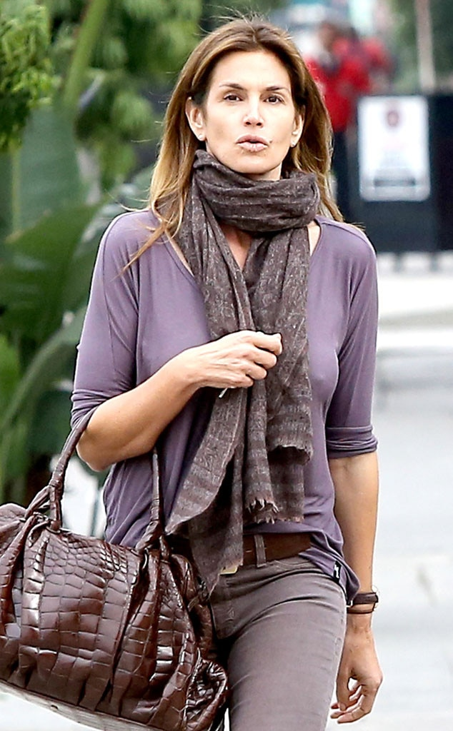 Cindy Crawford Skips Bra Goes On Lunch Date With A Pal