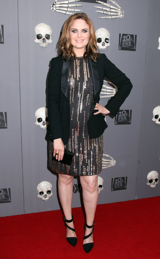 Emily Deschanel Flaunts Baby Bump at Bones 200th Episode ... Emily Deschanel And David Boreanaz Bones