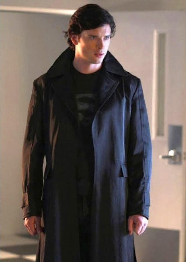 Smallville, Superhero Costumes on TV