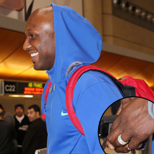 Lamar Odom Still Wearing Wedding Ring Arrives In Spain For New Basketball Gig With Laboral