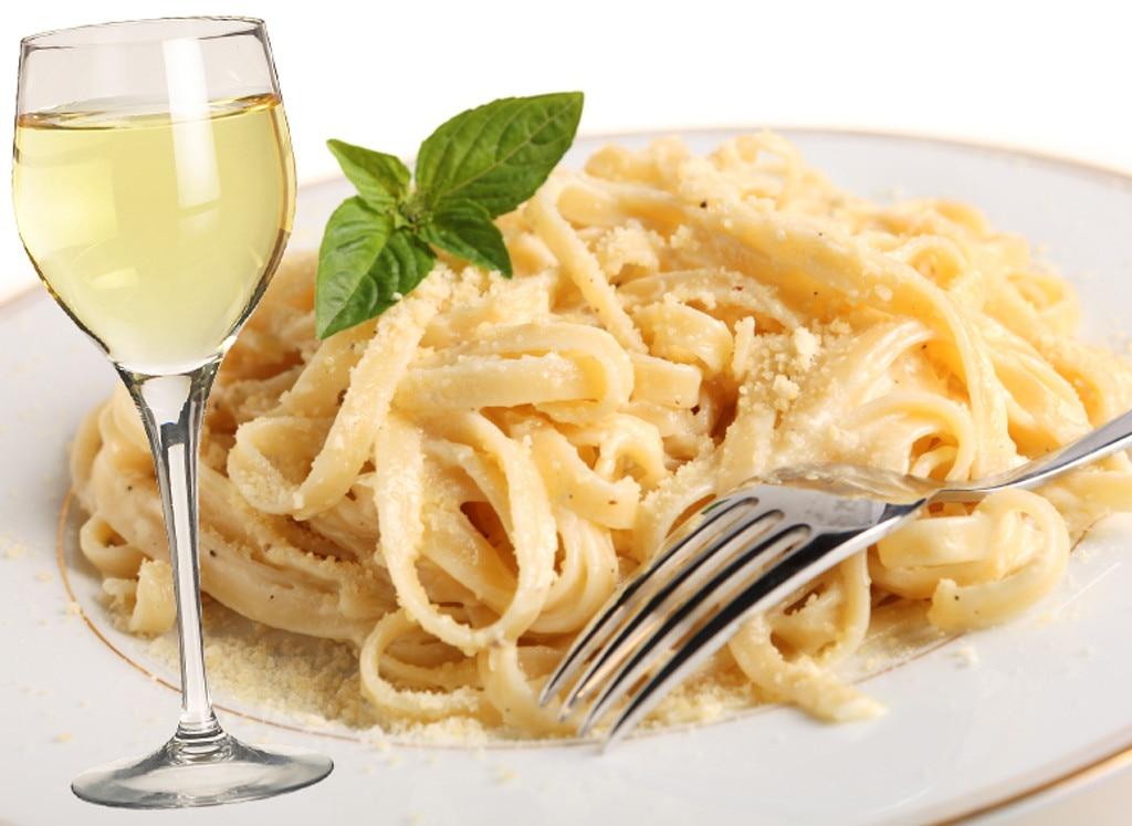 Fettucine Alfredo and Sauvignon Blanc from Italian Food ...
