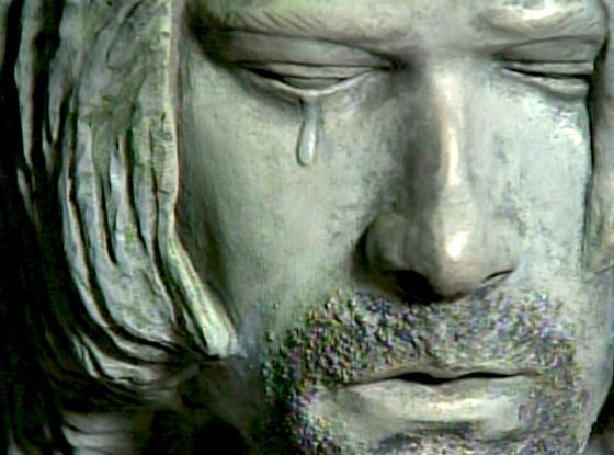 Kurt Cobain, Crying Statue