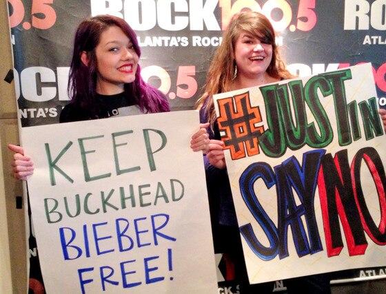Justin Bieber, Protest